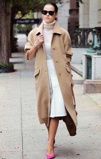 How to wear #camelcoat: #whiteskirt + pink #turtleneck