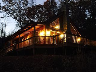 Mountain+Lake+Escape+-+Dog+friendly,+cozy+and+rustic+w/+two+lakes+and+a+river++++Vacation Rental in Blue Ridge Mountains from @homeaway! #vacation #rental #travel #homeaway