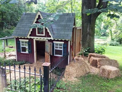 ok ok, if we had the money for this would not be worried about a fence or a roof, but it is fun to dream! Pig Pen. I love the house!!
