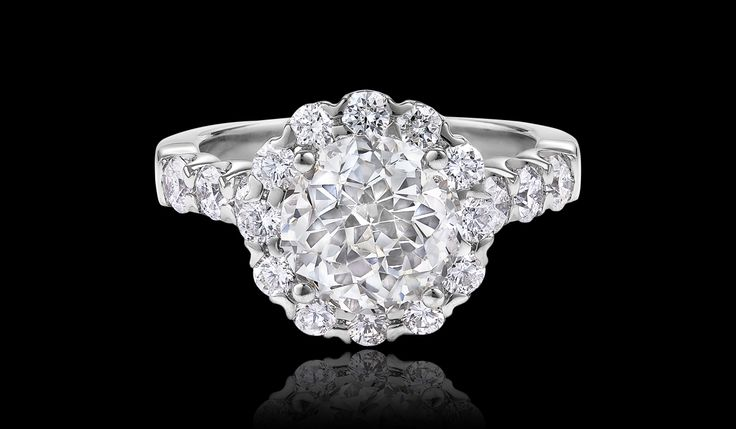Crown of Light™ Crown Brilliant ® Diamond Collection. After going to Diamonds International during my past 2 cruises and in 4 different countries, I can truly say this is all I want :) absolutely gorgeous!