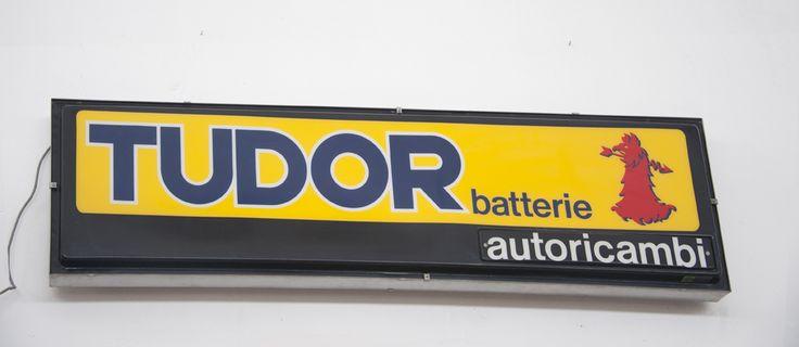 Insegna luminosa pubblicitaria batterie Tudor #vintage