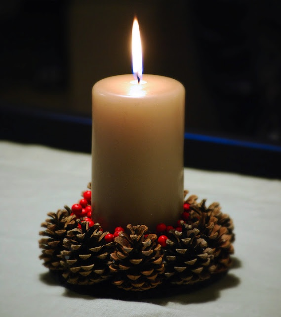 christmas centerpiece @seaseight blog http://seaseight.blogspot.it/2011/12/diy-other-decorations-for-christmas.html