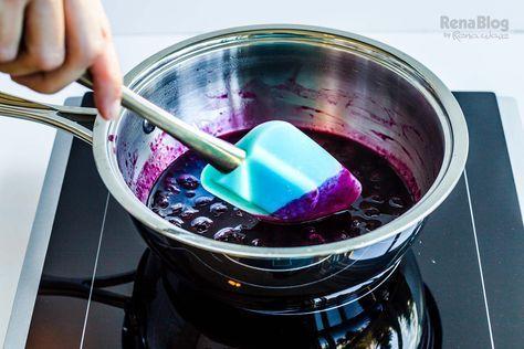 Salsa de moras azules para pancakes en la Saucier Clásica de Rena Ware