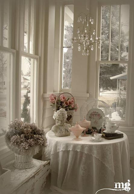 love the elegant shabby chic decor - http://myshabbychicdecor.com/love-the-elegant-shabby-chic-decor-3/