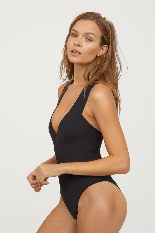 bc037e13547 V-neck Swimsuit | Black | WOMEN | H&M US | Poser | Josephine skriver ...
