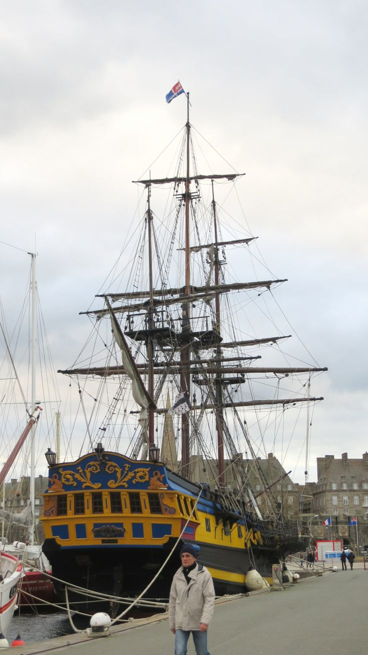 L'Etoile du Roy in Saint-Malo, Ille-et-Vilaine, Brittany, France | Photo by Ayuna (November 2013) #sailing #ship #voilier #bretagne #fregate #frigate #corsaire #corsair