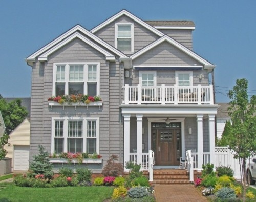 Nice curb appeal!: Contemporary Porches, White Flowers, Houses Ideas, Window Flowers Boxes, Front Doors, Curb Appeal, Pale, Planters Boxes, Window Boxes