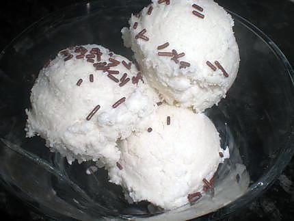 La meilleure recette de Glace noix de coco maison! L'essayer, c'est l'adopter! 5.0/5 (3 votes), 1 Commentaires. Ingrédients: 1boite de lait de coco soit 400ml,le jus d'un demis citron,20CL de creme liquide,100g de sucre,1cas d'extrait de vanille,pour ceux qu'ils aiment 3cas de coco rapé