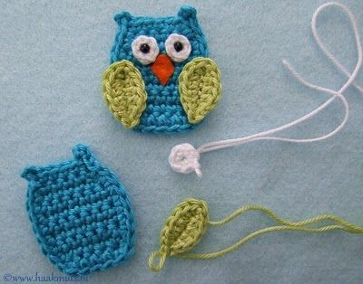 Very cute crochet owl. I really need to learn to crochet. These would make a cute banner for Frankie's room with some crocheted leaves.  Oh the possibilities!