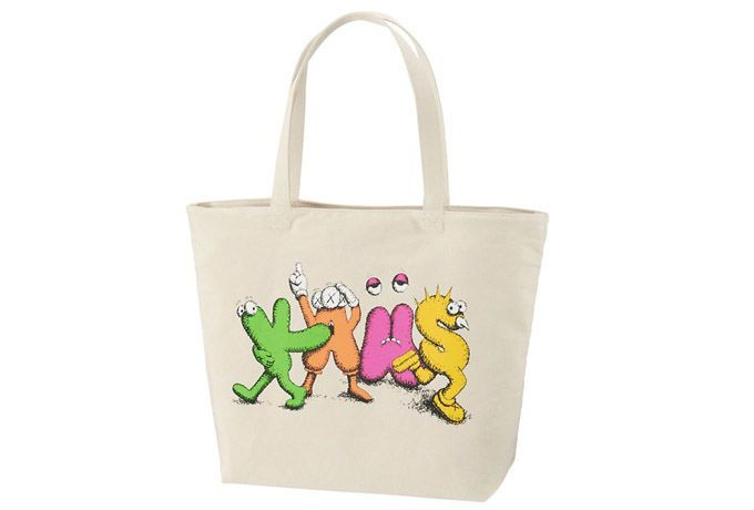 The KAWS x Uniqlo collaboration continues with a new set of tote bags featuring the New York-based artist's signature style.
