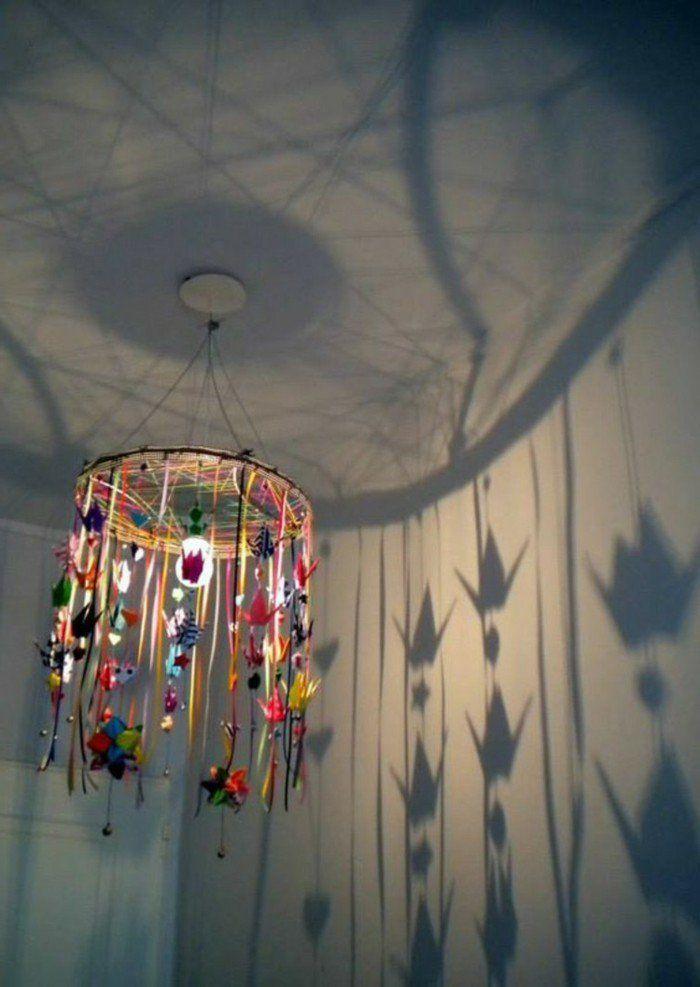 bandes de ruban décorées d accessoires joyeux, diy abat-jour à fabriquer de ses propres mains