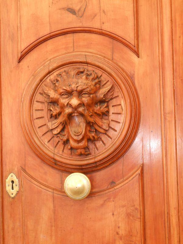 Двери в Сиене.