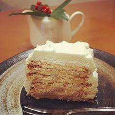 黒柳徹子さん考案のマリービスケットを使った簡単ケーキが美味しいと大人気!スタッフや共演者に昔から振る舞ってきたという黒柳徹子ケーキとは?