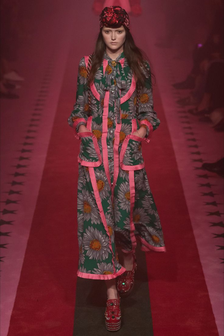Gucci Milano - Spring Summer 2017 Ready-To-Wear - Shows - Vogue.it