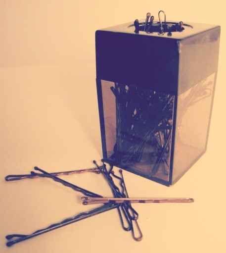 Guarde grampos em um porta clips magnético.