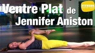 A 44 ans, Jennifer Aniston affiche une silhouette au top. Jambes fuselées, bras dessinés et ventre plat, celle qui incarnait..