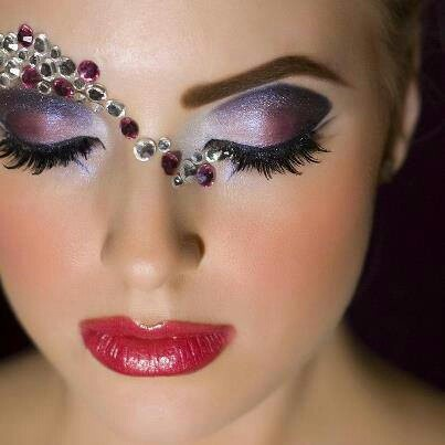 Purple and jewels. So pretty. Rave?