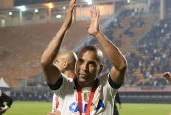 Sport Club Corinthians Paulista - Sheik recebe placa e se despede do Corinthians: 'Saio pela porta que entrei' - Corinthians   Lancenet.com.br