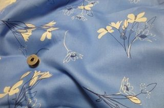 Beautiful cotton sateen with a stylish flower print on a light blue background. Made of 100% organic cotton. http://www.purecoverz.nl/Products/485-0-stornetta-blue-katoensatijn.aspx