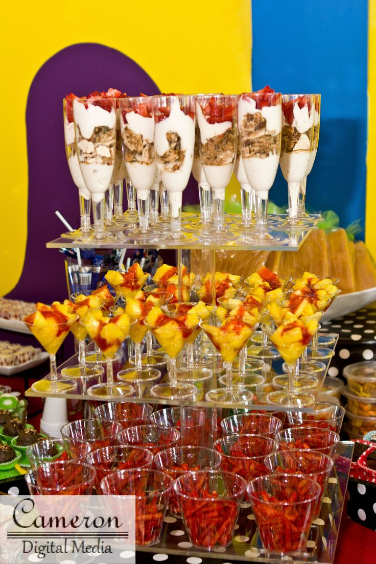 17 best images about fruit bar wedding on pinterest - Table snack bar but ...