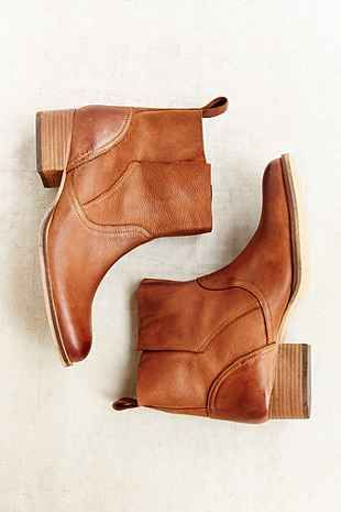 Ecote Side Overlap Boot - Urban Outfitters