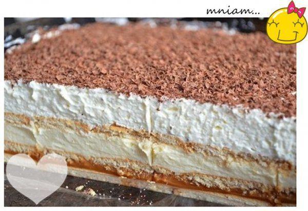 Najprostsze i najlepsze ciasto bez pieczenia! To jest TO!!!! Najprostsze i najlepsze ciasto bez pieczenia! Potrzebne będą: – puszka mleka skondensowanego lub gotowej masy krówkowej (600g), – 6 – 7 herbatników, – 3 szklanki mleka, – 3/4 szklanki cukru z prawdziwą wanilią, – 125 g masła, – 4 łyżki mąki pszennej, – 5 łyżek mąki ziemniaczanej, – 4 jajka, – 600 ml śmietany kremówki 36%, – łyżka cukru pudru, – 100 g gorzkiej czekolady. Przygotowanie: Formę do pieczenia o wymiarach 25 x 35 cm w...