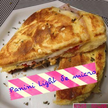 Miss Saúde : Panini Light de micro sem farinha Receita completa: http://www.misssaude.com/2014/02/panini-light-de-micro-sem-farinha.html