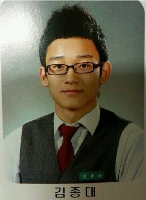 EXO's Chen stirs up interest with his handsome past school photo | http://www.allkpop.com/article/2014/05/exos-chen-stirs-up-interest-with-his-handsome-past-school-photo