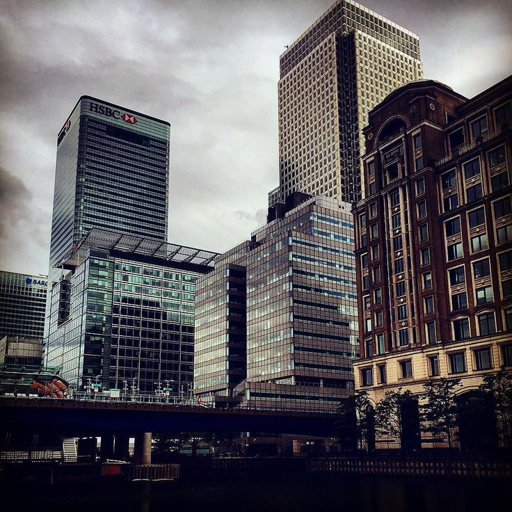 UK 2015 Visited the @museumoflondon in the Docklands and captured this view of the financial district. Appreciate this district in London for its modern architecture. #docklands #canarywharf #hsbc #banking #architecture #skyline #financialdistrict #city #london #uk #europe #ig_europe #igtravel #living_europe #thelondonlifeinc #clouds #travel #tourist by charlesfwh