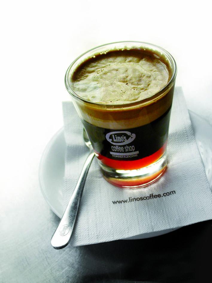 """Intorno all'anno 1000 alcuni commercianti arabi portarono dai loro #viaggi in Africa dei chicchi di #caffè da cui traevano una bevanda eccitante per ebollizione che chiamavano qahwa (""""eccitante"""")...oggi abbiamo il Cafetino Goloso... http://www.linoscoffee.com/ita/miglior-caffe-in-grani/storia-del-caffe-espresso.html"""