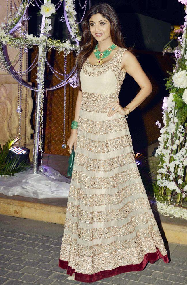Shilpa Shetty at Manish Malhotra's niece Riddhi's sangeet.
