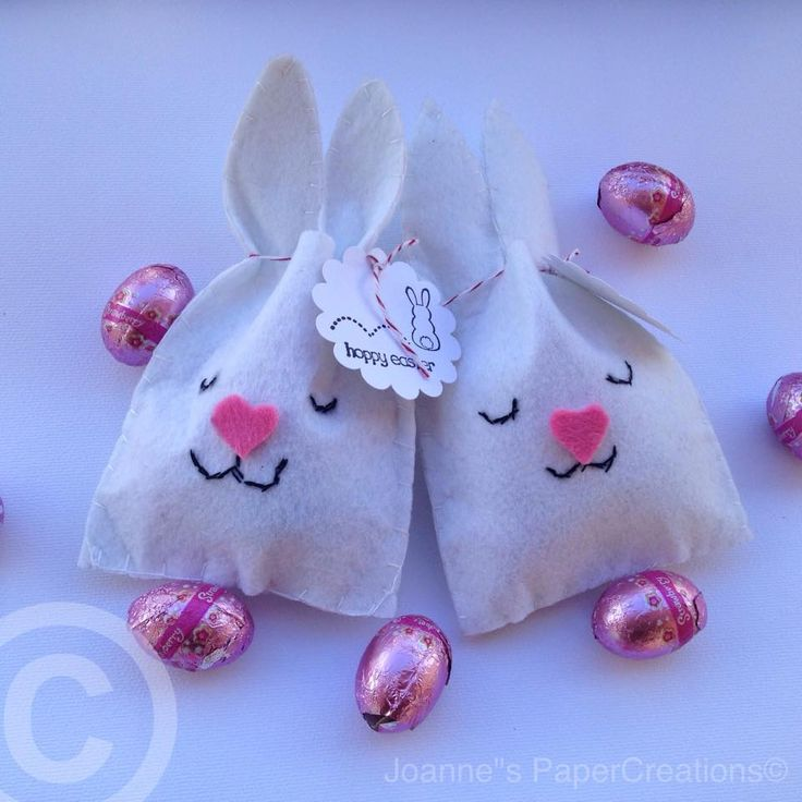 Felt Bunny treat bags.