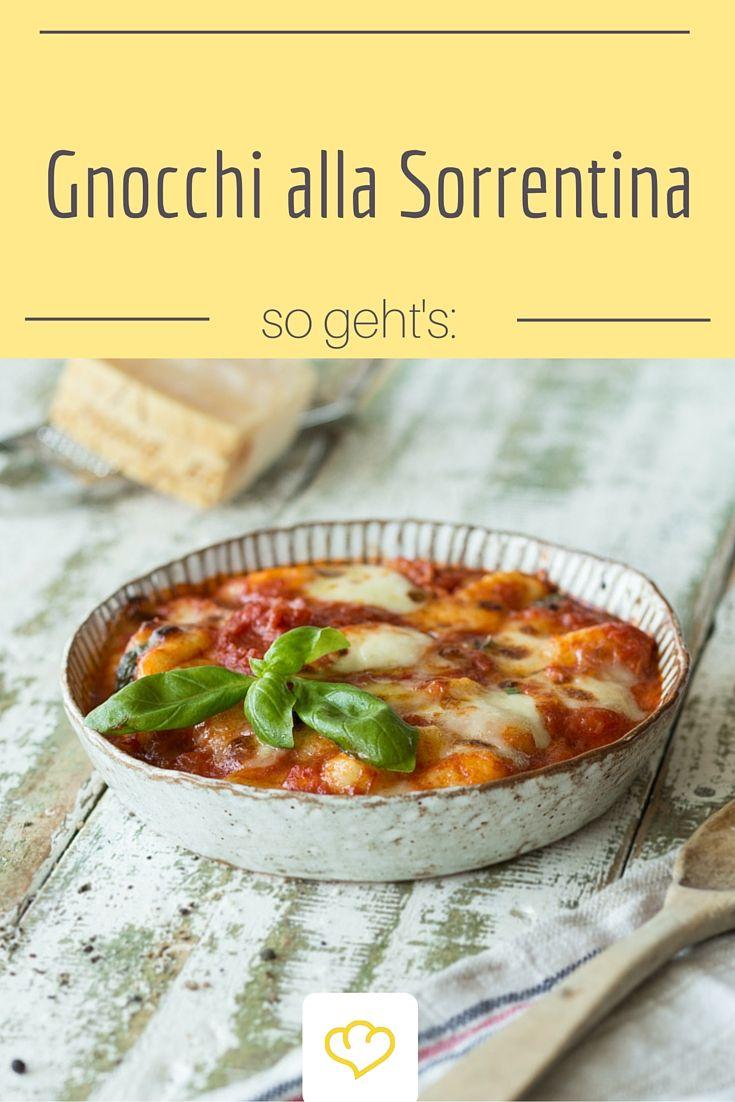 Gnocchi mit Tomatensauce und Mozarella überbacken - für dieses Pasta Gericht wurde die italienische Stadt Sorrentina berühmt!