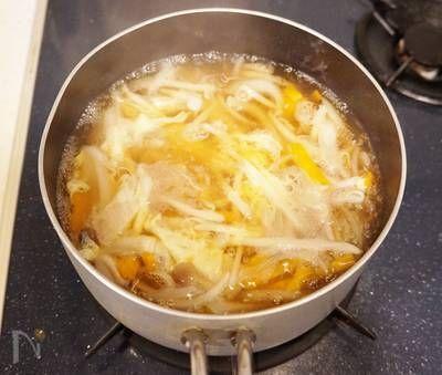 ふんわり卵ともやしの中華スープ by 楠みどり | レシピサイト「Nadia | ナディア」プロの料理を無料で検索
