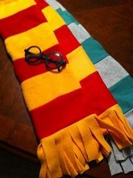 How to Make a Harry Potter Scarf out of Fleece. Free instructions and Pattern to make a Hogwarts fleece scarf!