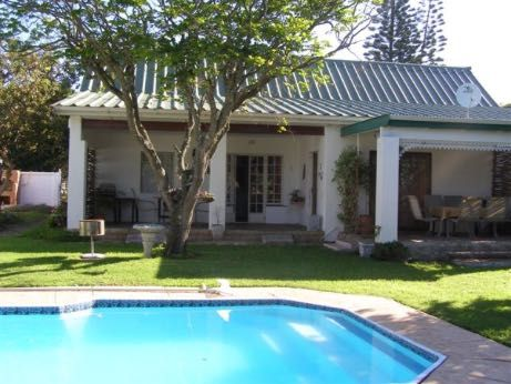 Falcon Crest offers self-catering accommodation with three cottages and also offers B&B accommodation. Falcon Crest is one kilometre off the main road through Port Alfred, which is in the heart of the Sunshine Coast - halfway between the cities of Port Elizabeth and East London. Our establishment is situated 700metres from the famous Royal Port Alfred Golf Course and a mere 2km from our beautiful beaches.