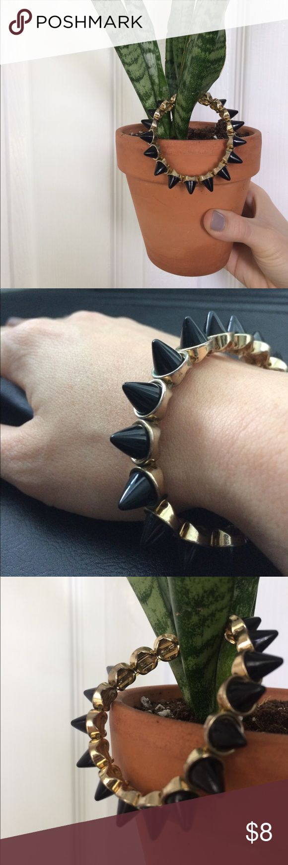 Black & Gold Spike Bracelet Perfect for spicing up an outfit! Boutique black and gold bracelet with matte black spikes Accessories