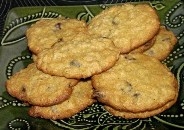 Crispy Oatmeal Chocolate Chip Cookies Michael Smith) Recipe - Food.com