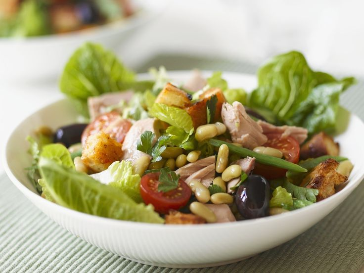 Thunfisch-Bohnen-Salat - smarter - Zeit: 30 Min. | eatsmarter.de