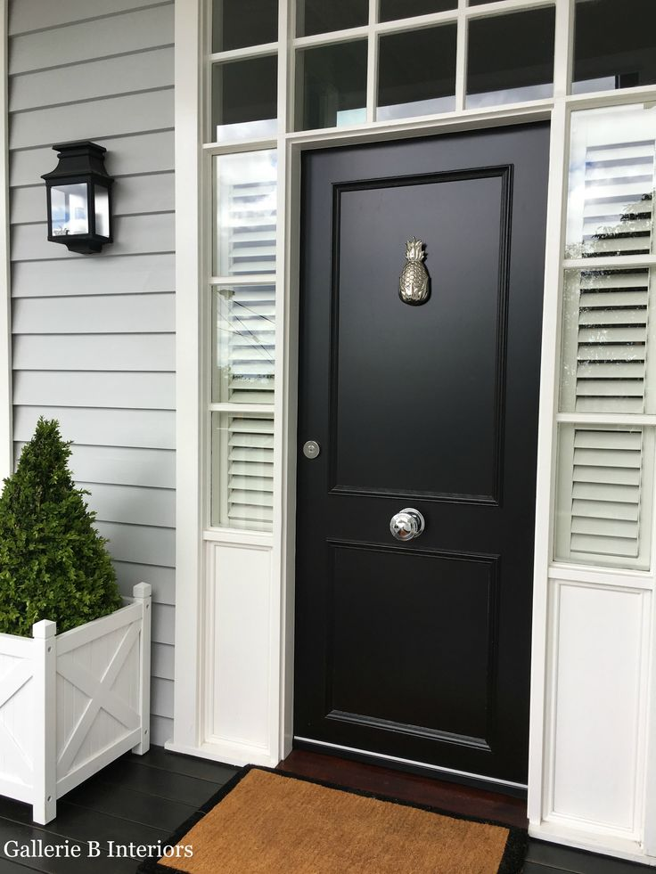 My 'Hamptons' style front door, complete with pineapple door knocker!