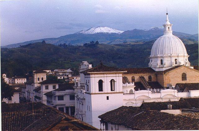 Volcán de Puracé visto desde Popayán