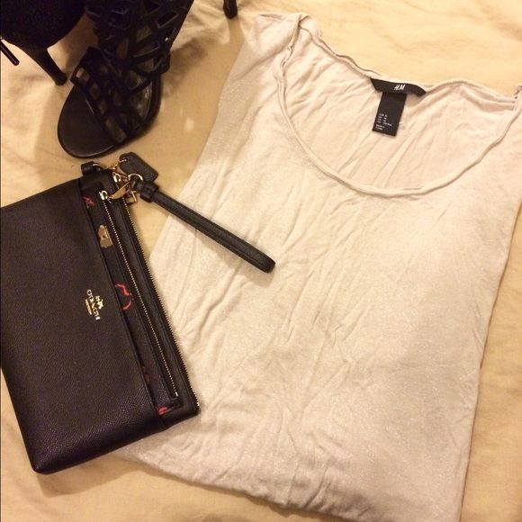 H&M Batwing Top Gently worn from H&M. Loose fitting and a cute neutral colored top with slight sparkle. Easy top to dress up! ⛔️No Trades Please!⛔️ H&M Tops