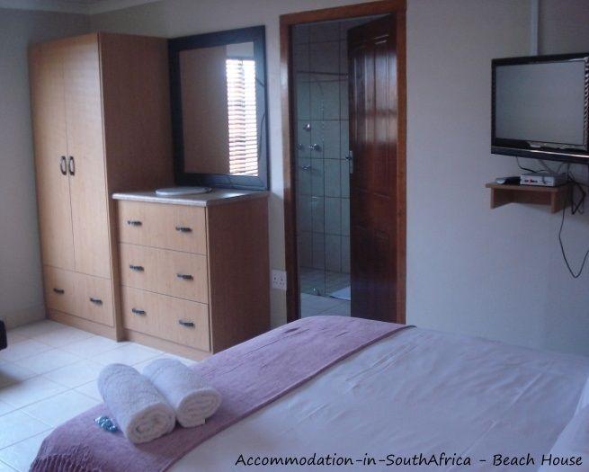 Beautiful and neat accommodation at Beach House Accommodation. http://www.accommodation-in-southafrica.co.za/NorthernCape/PortNolloth/BeachHouseAccommodation.aspx