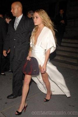 Mary-Kate Olsen in Elizabeth & James, CFDA Fashion Awards ...