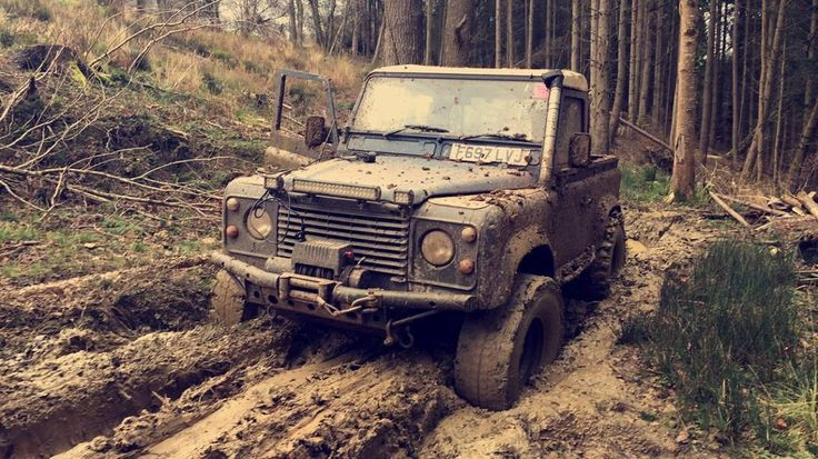 Land Rover Defender Stuck in the mud Stuck Rovers