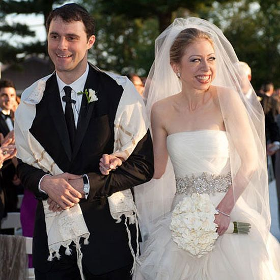 Chelsea Clinton stuck to a natural, organic style for her wedding bouquet — simple, tightly packed gardenias.