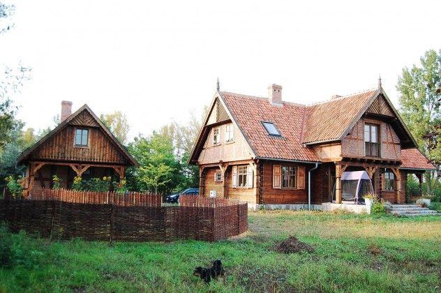 duży wygodny dom drewniany z użytkowym poddaszem,