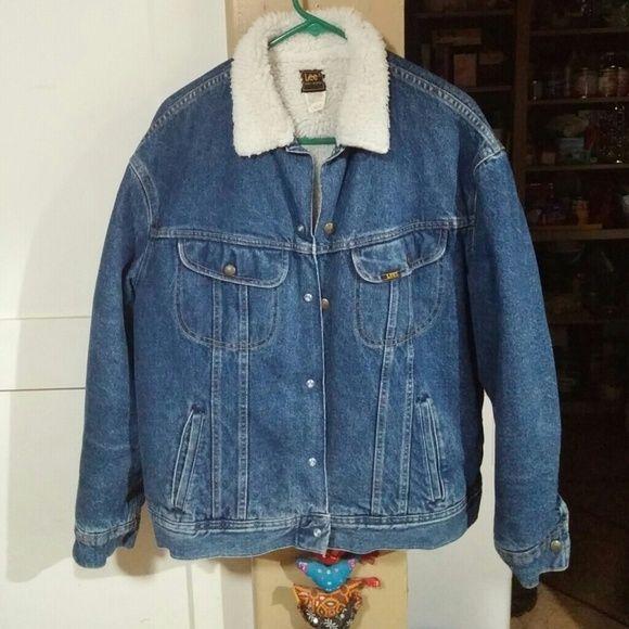 Vintage large Lee jeans fully lined jean jacket Real deal, medium wash Lee Jackets & Coats Jean Jackets