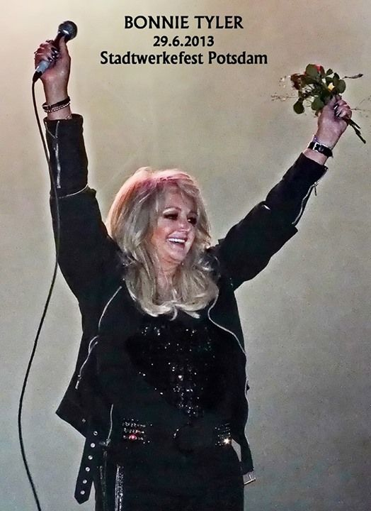 Bonnie Tyler in Potsdam, Germany - 29/06/2013 (by Michael Nürnberg) #bonnietyler #gaynorsullivan #gaynorhopkins #thequeenbonnietyler #therockingqueen #rockingqueen #music #rock #2013 #germany #potsdam #concert