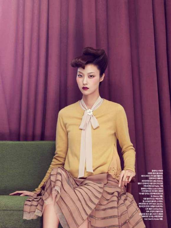 Park-Ji-Hye-Choi-A-Ra-for-Harpers-Bazaar-Korea-December-2010-6: